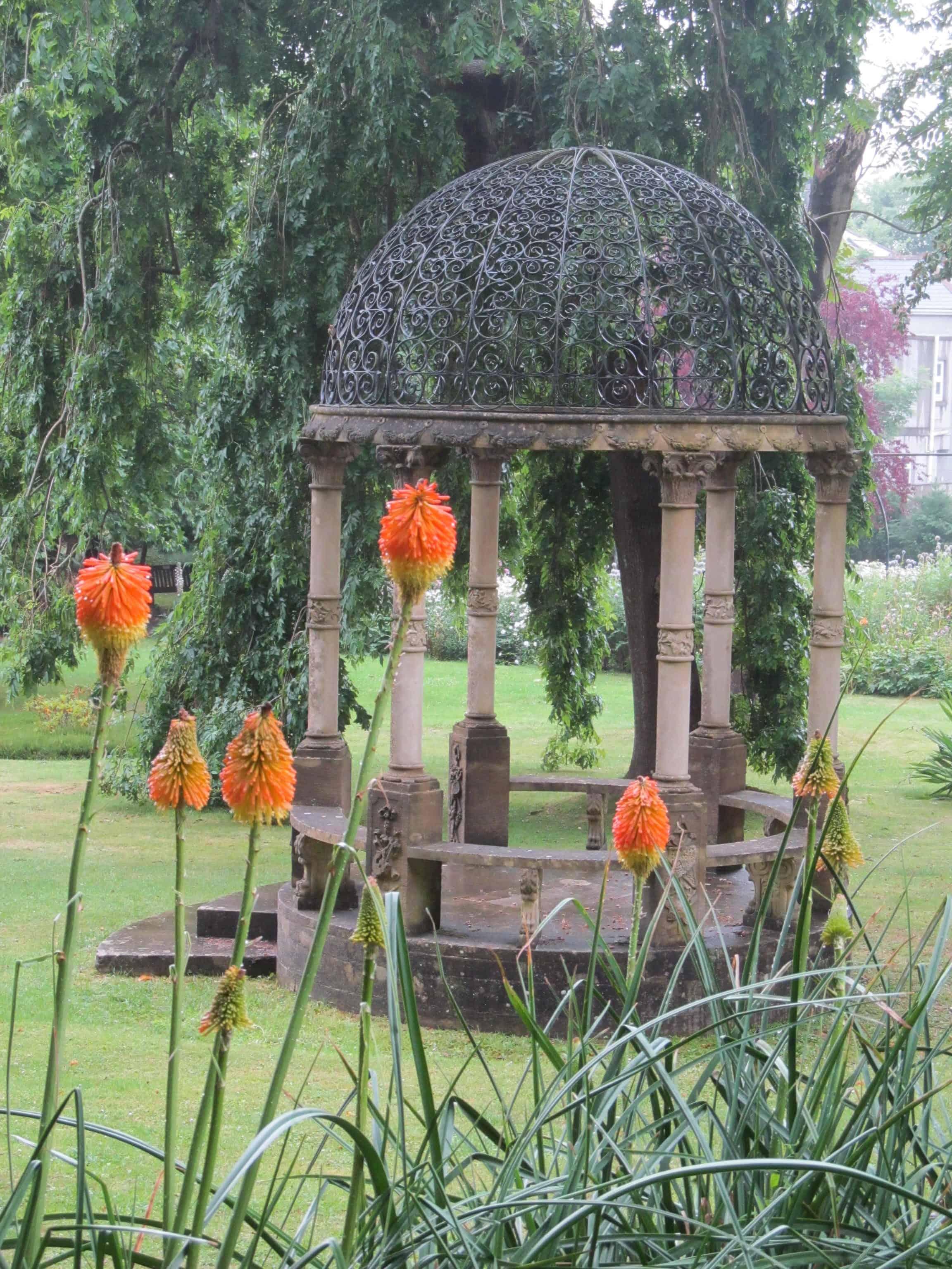 Torquay's secret garden wins award
